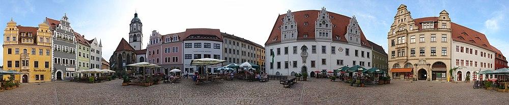 Panorama med  Meißner Marktplatz med Marktapotheke, Frauenkirche, Bennohaus og Rådhus