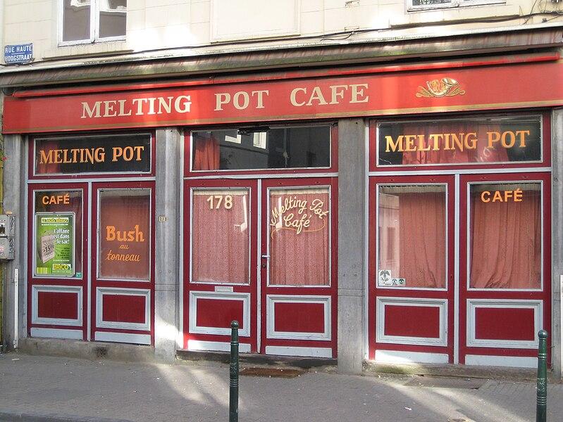 STREET VIEW : les façades de magasins (Monde) - Page 2 799px-MeltingPotCafe1
