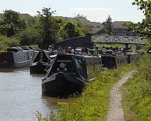 Cheshire Ring - Just to the Northwich side of the Big Lock, Middlewich