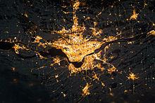 220px-Montreal_la_nuit.jpg
