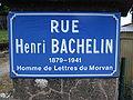 Montsauche-les-Settons, plaque Rue Henri Bachelin.JPG