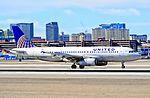 N448UA United Airlines Airbus A320-232 (cn 842) (10161492744).jpg