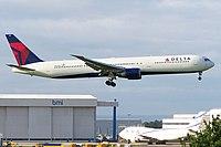 N825MH - B764 - Delta Air Lines