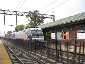 ALP-46 - Image: NJ Transit train with an ALP 46 leaving of South Orange