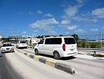 Narrow Maho Beach Road (6543983395).jpg