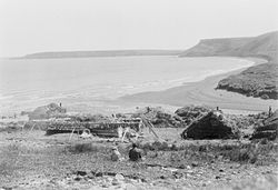 Yupik village at Nash Harbor in 1927,photo by Edward Curtis