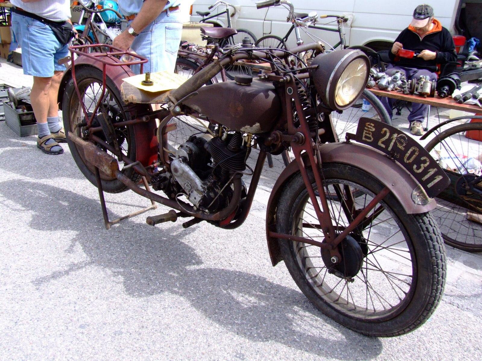 1817ad23321566 Hagel (Motorrad) - Die vollständigen Informationen und Online-Verkauf mit  kostenlosem Versand. Bestellen und kaufen Sie jetzt zum günstigsten Preis  im ...