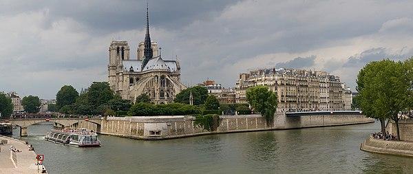 Notre Dame de Paris is a prominent landmark on the Île de la Cité
