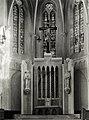 Ołtarz w kościele pw św. Piotra i Pawła w Zawierciu - projektował prof. Jan Budziło.jpg