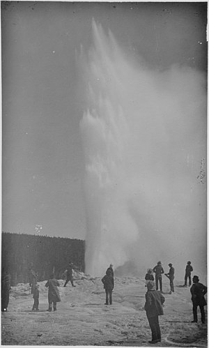 Old Faithful - Image: Old Faithful geyser, Yellowstone National Park NARA 517017