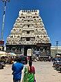 One of the four entrance gopurams of Kamakshi Amman Temple, Kanchipuram.jpg
