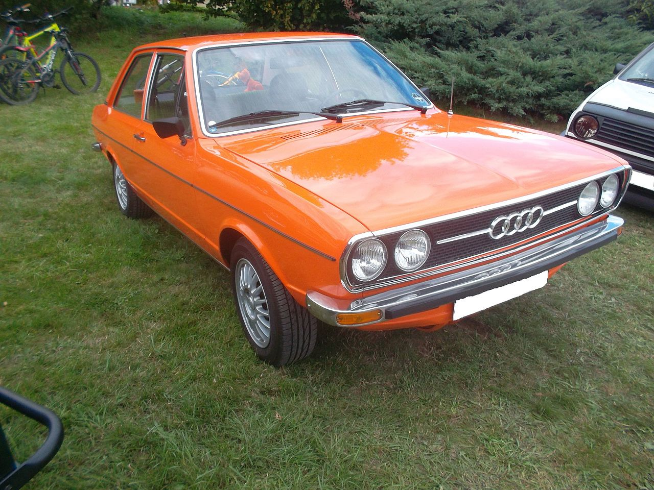 File Orange Audi 80 B1 Side Jpg Wikimedia Commons