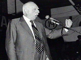 Oscar Alende politician