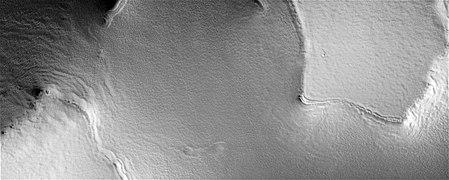 PSP 006941 2570 RED Chasma Borealis - Southern Abalos Colles Region.jpg
