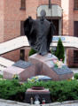 Pabianice - Pomnik JPII - 01.jpg