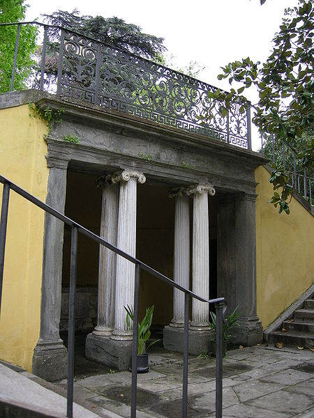 File palazzo torrigiani specola giardino grotticina 01 for Giardino torrigiani