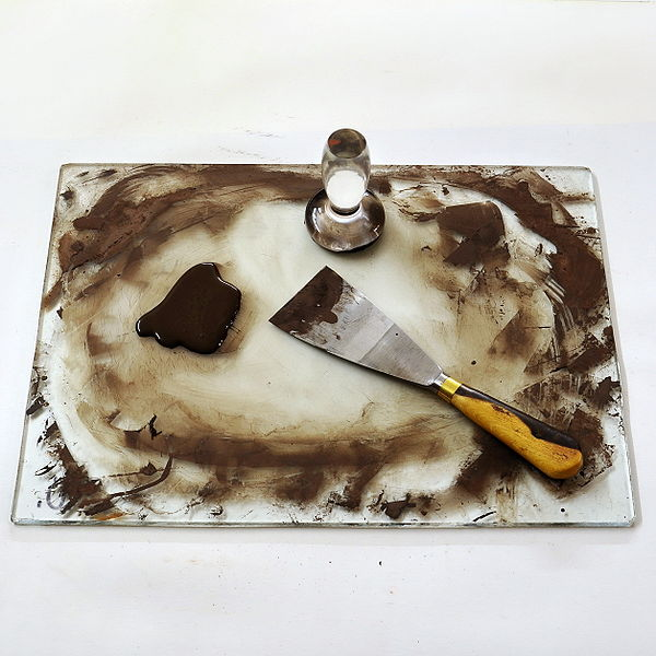 File:Palette with tools1.jpg