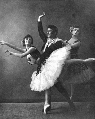 Pas de trois - (left to right) Elsa Vill, Pierre Vladimirov, and Elizaveta Gerdt in the Paquita Pas de trois (AKA Minkus Pas de trois), St. Petersburg, 1909