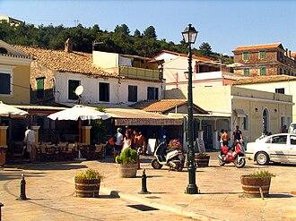 Paxi - Square of Gaios
