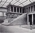 Pergamonaltarimmesselbau.jpg