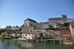 Pesmes - fortifications 04.JPG