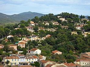 Pierrefeu-du-Var view towards north tophill.jpg