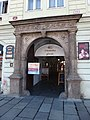 Plzeň, náměstí Republiky 21, portál.jpg