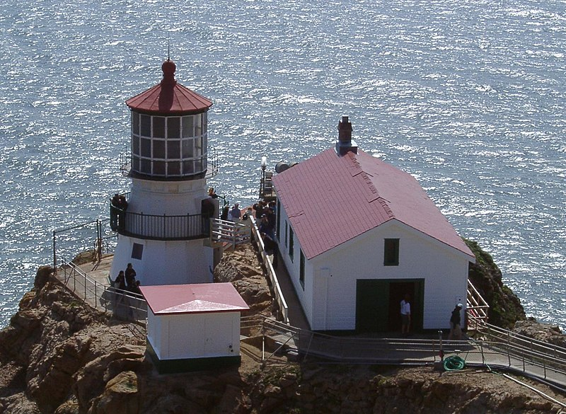 Plik:Point reyes lighthouse 02.jpg