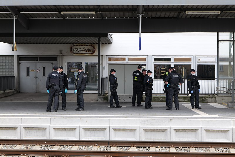 File:Police at Kehl trainstation 2020-03-16 01.jpg