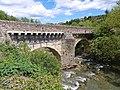 Pont sur l'Ouvèze en mai 2021.jpg