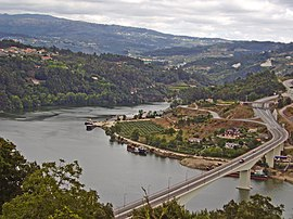 A view of the Ponte Duarte Pacheco over the Douro in Penafiel
