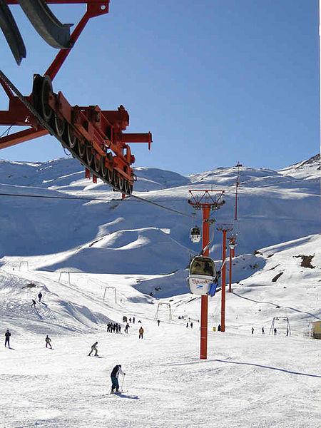 File:Pooladkaf Ski Resort.jpg
