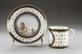 Porslinskopp och fat med strandlandskap i botten, 1700-talets slut - Hallwylska museet - 93767.tif