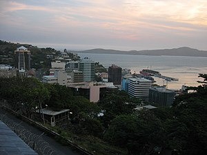 Economy of Papua New Guinea - Image: Port Moresby Town Mschlauch