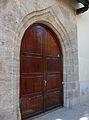 Porta d'arc conopial de l'antic hospital, València.JPG