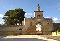 Porta della città fortificata di Acaya.jpg