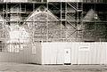 Portails de la cathédrale de Poitiers en restauration 2001.jpg