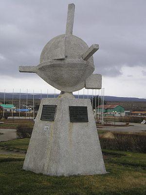 Porvenir, Chile - Image: Porvenir Monument Immigrants