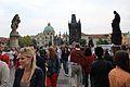 Prague Praha 2014 Holmstad flott karlsbrua Charles Bridge folksomt 2.jpg