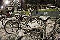 Prestamo de bicis para la nieve (3191770415).jpg