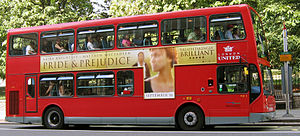 Immagine Pride & Prejudice London Bus.jpg.