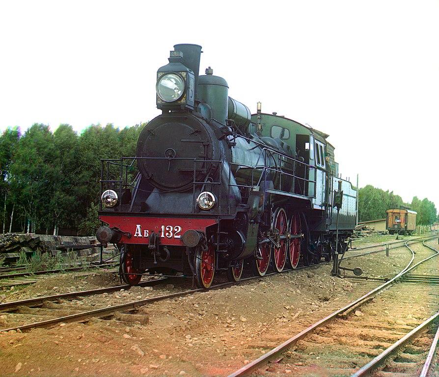 Ferrocarril Transiberiano. Locomotora que realizaba el viaje entre Perm y Ekaterinburgo en el año 1910.