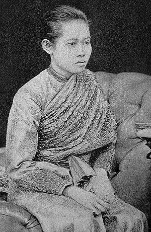 Savang Vadhana - Image: Queen Savang Vadhana in 1879
