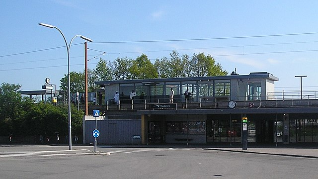 640px-R%C3%B8dovre_Station_structure.JPG