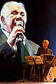 Raúl Lavié cerró el Festival de Tango (7873572346).jpg