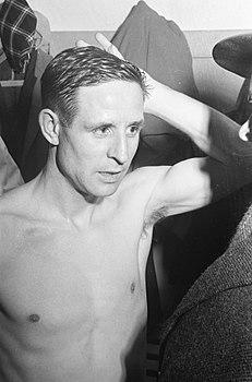 Raymond Kopa 1963.jpg