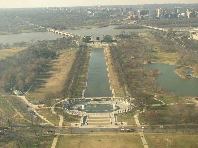 Reflecting pool monument, From WikimediaPhotos