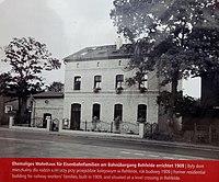 Rehfelde Ehemaliges Wohnhaus für Eisenbahnerfamilien erbaut 1909.JPG