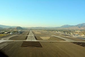 Reno–Tahoe International Airport - Image: Reno–Tahoe International Airport 16 L photo D Ramey Logan