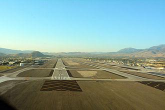 Reno–Tahoe International Airport - Image: Reno–Tahoe International Airport 16 L photo D Ramey Logan